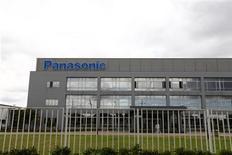 <p>Panasonic publie un bénéfice d'exploitation au deuxième trimestre en hausse de 74%, soutenu par des ventes solides d'appareils ménagers au Japon, mais préfère maintenir sa prévision annuelle compte tenu de l'incertitude relative à la demande au second semestre et de la hausse du yen. /Photo d'archives/REUTERS/Aly Song</p>