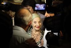 <p>Alicia Alonso, Cuba's prima ballerina assoluta and director of the Cuban National Ballet, is interviewed by reporters at an event in Havana October 31, 2010. The 22nd International Ballet Festival is taking place in Havana till November 7. REUTERS/Desmond Boylan</p>