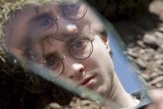 """<p>Daniel Radcliffe é visto em cena do filme """"Harry Potter e as Relíquias da Morte - Parte 1"""", em foto divulgada em 9 de novembro de 2010. REUTERS/Jaap Buitendijk/Warner Bros.Pictures/Divulgação</p>"""