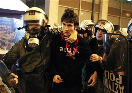Greeks march to mark 1973 revolt, protest austerity - Reuters