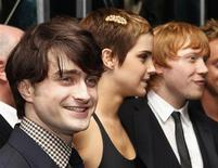 "<p>Astros de Harry Potter Daniel Radcliffe, Emma Watson e Rupert Grint na prèmiere do novo filme ""Harry Potter"" em Nova York. 15/11/2010 REUTERS/Shannon Stapleton</p>"