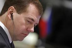 <p>Президент РФ Дмитрий Медведев на саммите в Ханое, 30 октября 2010 года. Президент Дмитрий Медведев увидел признаки застоя в политической жизни России и угрозу деградации партии своего партнера по правящему тандему Владимира Путина. REUTERS/Kham</p>