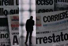 "<p>Italian writer Roberto Saviano, author of ""Gomorra"", arrives on the Italian television program ""Che tempo che fa"" in Milan, March 25, 2009. REUTERS/Alessandro Garofalo</p>"