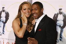 """<p>Mariah Carey e seu marido Nick Cannon na estreia do filme """"Preciosa: Uma"""" em Hollywood, em 2009. A cantora está grávida de gêmeos, disse Cannon a uma rádio dos EUA nesta quinta-feira. 01/11/2009 REUTERS/Fred Prouser/Arquivo</p>"""