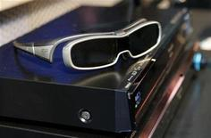 <p>A pair of Active Shutter 3D glasses sit on top of a Panasonic 3D Blu-ray player during a news conference at the 2010 International Consumer Electronics Show (CES) in Las Vegas, Nevada in this January 6, 2010 file photo. REUTERS/Steve Marcus</p>