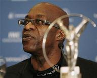 <p>Laureus Academy Chairman Edwin Moses attends a news conference in Barcelona February 27, 2007. REUTERS/Albert Gea</p>
