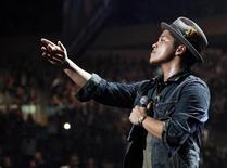 <p>Singer Bruno Mars performs during the Z100 Jingle Ball in New York December 10, 2010. REUTERS/Lucas Jackson</p>