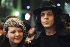 <p>Jack e Meg White, do White Stripes, no Festival de Cinema de Toronto. A dupla roqueira anunciou o fim da banda na quarta-feira. 18/09/2009 REUTERS/Mark Blinch/Arquivo</p>