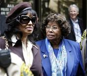 <p>Michael Jackson's sister Rebbie (L) and mother Katherine leave the arraignment of Doctor Conrad Murray, the late Michael Jackson's personal physician, in Los Angeles, California, January 25, 2011. REUTERS/Lucy Nicholson</p>