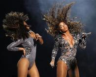 """<p>Beyonce performs """"Single Ladies"""" at the 2009 MTV Video Music Awards in New York. REUTERS/Gary Hershorn</p>"""