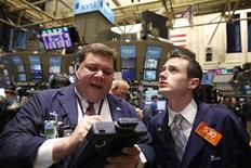 <p>Traders work on the floor of the New York Stock Exchange, February 1, 2011. REUTERS/Brendan McDermid</p>