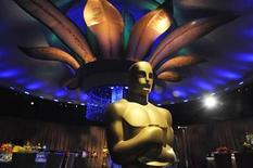 <p>An Oscar statue is seen at a preview of the Governors Ball for the upcoming 83rd annual Academy Awards in Los Angeles on February 9, 2011. REUTERS/Phil McCarten</p>