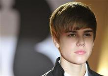 """<p>Justin Bieber no BRIT Music Awards, em Londres. O cantor adolescente aparece no cinema com """"Justin Bieber: Never Say Never"""". 15/02/2011 REUTERS/Toby Melville/Arquivo</p>"""
