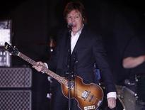 <p>Former Beatle Paul McCartney performs during his concert in Liverpool December 20, 2010. REUTERS/Phil Noble</p>