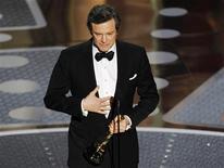 """<p>Colin Firth faz agradecimentos após receber o Oscar de melhor ator por """"O Discurso do Rei"""". 27/02/2011 REUTERS/Gary Herrshorn</p>"""