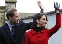 <p>Britain's Prince William and his fiancee Kate Middleton wave during a visit to St. Andrews University in Fife, Scotland February 25, 2011. REUTERS/Andrew Milligan/Pool</p>