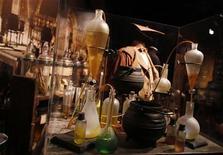 """<p>Sala dentro da exposição """"Harry Potter: The Exhibition"""" é vista em Nova York. 31/03/2011 REUTERS/Shannon Stapleton</p>"""