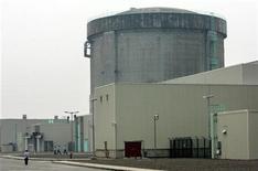 <p>Циньшаньская АЭС в провинции Чжэцзян 10 июня 2005 года. Запрет на новые проекты в атомной энергетике, введенный китайскими властями в ответ на ядерный кризис в Японии, может продлиться до 2012 года, сообщил отраслевой чиновник. REUTERS/Reinhard Krause</p>