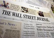<p>Foto de archivo de una portada del diario Wall Street Journal, jul 31 2007. Los periódicos Los Angeles Times y The New York Times ganaron dos premios Pulitzer cada uno, informó el lunes la organización. REUTERS/Shannon Stapleton</p>