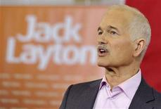 <p>New Democratic Party (NDP) leader Jack Layton speaks to supporters at a campaign stop in Welland April 19, 2011.REUTERS/Mike Cassese</p>