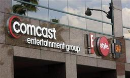 <p>Foto de archivo del logo del grupo Comcast Entertainment en Los Angeles, nov 12 2009. Comcast Corp reportó el martes utilidades trimestrales más robustas, al beneficiarse de las ventas de publicidad en su consolidada operación con NBC Universal y sumar mas abonados de servicios de internet y telefonía. REUTERS/Fred Prouser</p>