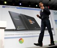 <p>Sundar Pichai, vice-presidente sênior da unidade do Chrome no Google, anuncia o notebook da Samsung que roda o sistema operacional Google Chrome em coletiva de imprensa. 11/05/2011 REUTERS/Beck Diefenbach</p>