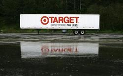 <p>A Target sign is shown in Daly City, California February 23, 2010. REUTERS/Robert Galbraith</p>