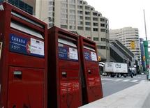 <p>Mail boxes are marked with move signs in preparation for the June 26-27 G20 Summit in Toronto June 14, 2010. REUTERS/ Mike Cassese</p>