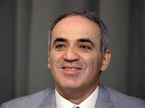 <p>Former chess world champion Garry Kasparov speaks during the launch of the Kasparov Chess Foundation Europe in Brussels June 8, 2011. REUTERS/Ezequiel Scagnetti</p>