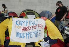 """<p>Fans start queuing in Trafalgar Square for the world premiere of """"Harry Potter and The Deathly Hallows Part 2"""", in London July 5, 2011. REUTERS/Luke MacGregor</p>"""