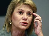 <p>Carol Bartz, directrice générale de Yahoo. Le groupe américain fait état d'une légère baisse de son chiffre d'affaires à 1,1 milliard de dollars, au titre du deuxième trimestre, en raison d'une baisse de ses ventes dans l'affichage publicitaire. /Photo prise le 15 septembre 2010/REUTERS/Eduardo Munoz</p>