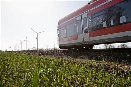 ドイツ鉄道、再生可能燃料に依存へ=今世紀半ば100%に