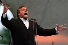 <p>Tenor Salvatore Licitra in a file photo. REUTERS/Jeff Christensen</p>
