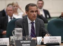<p>Bank of Canada Governor Mark Carney prepares to testify before the House of Commons finance committee on Parliament Hill in Ottawa August 19, 2011. REUTERS/Chris Wattie (CANADA - Tags: BUSINESS POLITICS)</p>