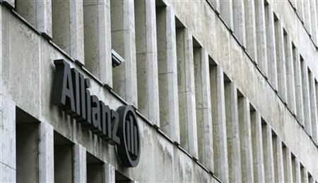 The Allianz logo is pictured on a main office building of Germany's largest insurance group Allianz AG in Cologne June 22, 2006. REUTERS/Michaela Rehle