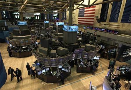 Traders work on the floor of the New York Stock Exchange, August 8, 2011. REUTERS/Brendan McDermid