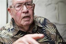 <p>Eighty-eight-year-old Pearl Harbor survivor Louis E. Gore speaks to Reuters about his experiences in World War Two in Honolulu, Hawaii December 3, 2011. REUTERS/Marco Garcia</p>
