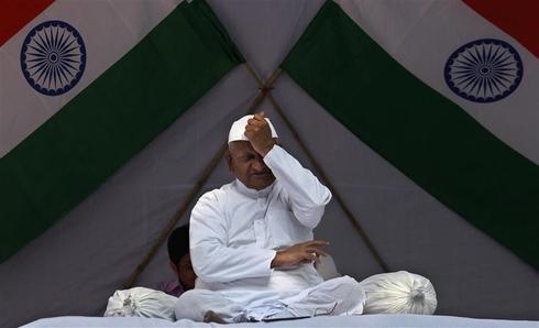 Anna Hazare renews protest