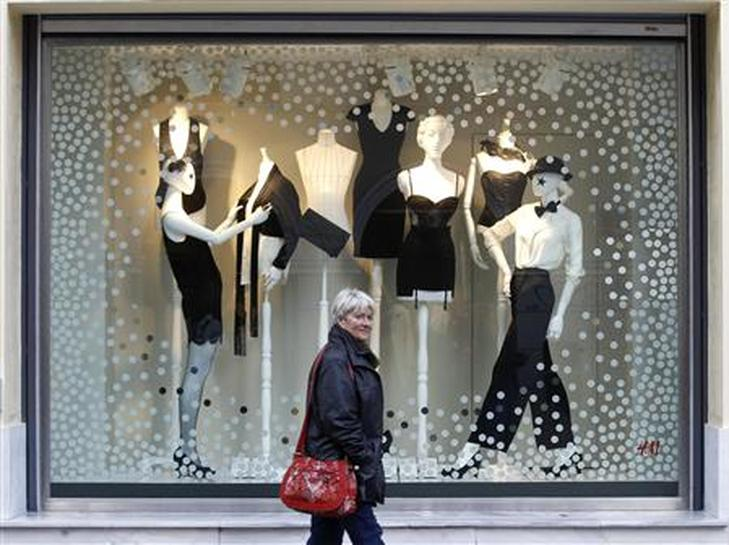 Christmas Window Ideas For Retail.Greek Retail Sees Worst Christmas Sales In Decades Reuters