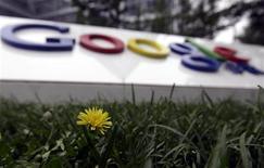 <p>La Commission européenne décidera vers la fin du premier trimestre si elle dépose ou non une plainte officielle contre Google, au vu des conclusions de l'équipe chargée de l'enquête sur des plaintes d'abus de position dominante visant le géant d'internet. /Photo d'archives/REUTERS/Jason Lee</p>