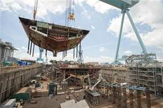 <p>The superlift erected on the aircraft carrier Gerald R. Ford (CVN 78) is one of the heaviest Newport News Shipbuilding will construct and lift into the dock in this May 21, 2011 file photo. REUTERS/Chris Oxley/Huntington Ingalls Industries/Handout</p>