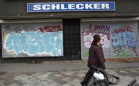 A store of drugstore chain Schlecker is pictured in Berlin, January 22, 2012. Germany's biggest drugstore 'Schlecker', which is operating many small chemist's shops in neighbourhoods, filed for insolvency on Friday. REUTERS/Pawel Kopczynski (GERMANY - Tags: BUSINESS LOGO)