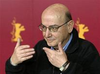 <p>Greek director Theo Angelopoulos talks to the media during a news conference at the 54th Berlinale International Film Festival in Berlin in this February 12, 2004 file photo. REUTERS/Fabrizio Bensch</p>