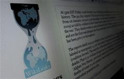<p>Imagen de archivo del sitio web WikiLeaks.org desplegado en un ordenador en Hoboken, EEUU, nov 28 2010. El grupo WikiLeaks empezó a publicar el lunes más de cinco millones de correos electrónicos de una compañía de análisis de seguridad internacional con sede en Estados Unidos que ha sido comparada con una CIA en la sombra. REUTERS/Gary Hershorn</p>