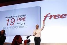 <p>Xavier Niel, fondateur d'Iliad, maison-mère de Free, lors de la présentation de l'offre Free Mobile. Le président de l'Autorité de régulation des télécoms (Arcep) a annoncé qu'une inspection avait démontré que le réseau de Free Mobile respectait ses obligations en matière de couverture de la population française. /Photo prise le 10 janvier 2012/REUTERS/Benoît Tessier</p>