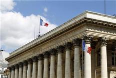 <p>Les Bourses européennes sont en baisse à mi-séance. A Paris, le CAC 40 recule de 1,41% à 10h50 GMT. A Francfort, le Dax cède 0,78% et à Londres, le FTSE abandonne 0,35%. L'indice paneuropéen Eurostoxx 50 est en repli de 1,19%. /Photo d'archives/REUTERS/Charles Platiau</p>