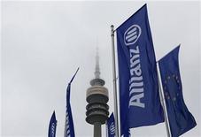 <p>Allianz fait état d'un bénéfice net en hausse de près de 60% au premier trimestre, à plus de 1,4 milliard d'euros, suivant des comptes provisoires qui dépassent les prévisions des analystes. /Photo d'archives/REUTERS/Michaela Rehle</p>