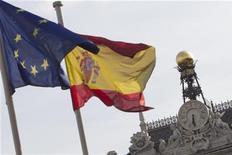<p>La Banque d'Espagne, à Madrid. Le gouvernement espagnol envisagerait de recapitaliser Bankia avec des titres de dette souveraine, qui seraient échangés contre des actions de la banque en difficulté. /Photo d'archives/REUTERS/Juan Medina</p>
