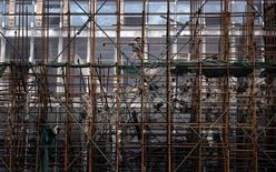 <p>Selon Pékin, l'économie chinoise, en voie de ralentissement, devrait se stabiliser au troisième trimestre et le gouvernement est confiant sur la capacité du pays à atteindre l'objectif de croissance de 7,5% en 2012. /Photo prise le 27 juin 2012/REUTERS/David Gray</p>
