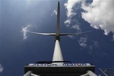 <p>Le spécialiste des infrastructures d'énergie et de transport Alstom a publié des ventes en hausse de 6% au premier trimestre de son exercice 2012-2013 et un carnet de commandes en progression de 20%. /Photo prise le 19 mars 2012/REUTERS/Stéphane Mahé</p>